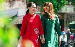 Yến Trang - Yến Nhi dạo phố với thời trang cách tân