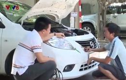 """Đường dây nóng VTV8: Khiếu nại đại lý ô tô vì nghi bán """"xe đánh tráo"""""""