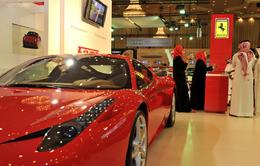 Khác biệt rõ rệt với sự có mặt của khách hàng nữ trong triển lãm ô tô ở Saudi Arabia
