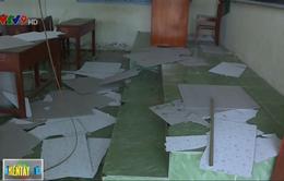 Sập trần lớp học ở Vĩnh Long, 9 học sinh phải nhập viện