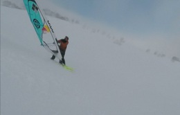 Trượt tuyết theo kiểu lướt ván buồm