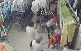 TP.HCM: Bắt 3 đối tượng chém người trong cửa hàng quần áo