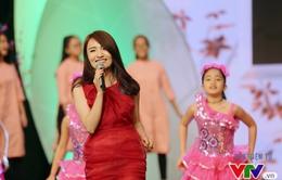 Nhật Thủy nổi bật với sắc xuân trong Gala Cặp lá yêu thương