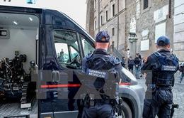 Tấn công bằng dao nhằm vào cảnh sát ở Italy