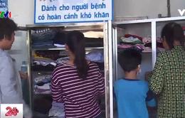 Tủ đồ miễn phí ấm lòng bệnh nhân nghèo