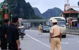 Cảnh sát Quảng Ninh kiểm tra hàng loạt ô tô, truy tìm tử tù vượt ngục