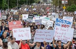 Hàng nghìn người Mỹ tuần hành phản đối phân biệt chủng tộc