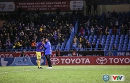 ẢNH: CLB Hà Nội đánh rơi chức vô địch trên sân Cẩm Phả