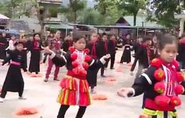 Trang phục dân tộc thành đồng phục học sinh ở vùng cao