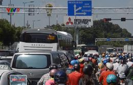 Ùn tắc nghiêm trọng ở cửa ngõ sân bay Tân Sơn Nhất, TP.HCM