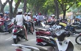 Nguy cơ mất an toàn trước các cổng trường ở Thừa Thiên Huế