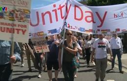 Anh: Hàng nghìn người tuần hành trong Ngày đoàn kết
