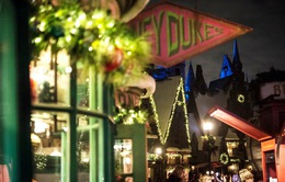 Trải nghiệm Giáng sinh kiểu Harry Potter tại phim trường Universal, Mỹ