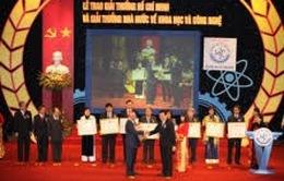 Trao tặng giải thưởng Hồ Chí Minh, giải thưởng Nhà nước về KH&CN