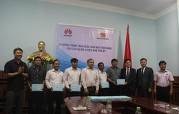 Quảng Nam: Trao tặng 50 máy tính bảng, hỗ trợ xây dựng chính quyền điện tử cấp xã