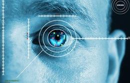 Bảo mật mống mắt trên Galaxy S8 có thể bị qua mặt bởi… hồ dán