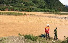 Lai Châu: Tìm kiếm nạn nhân bị lũ cuốn trôi