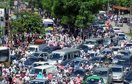 Tắc nghẽn giao thông nghiêm trọng tại hai thành phố lớn