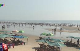Khách du lịch đổ về Bà Rịa - Vũng Tàu chơi Tết Dương lịch