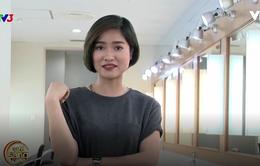 MC Mai Trang hé lộ bí kíp diện áo phông lịch sự nơi công sở