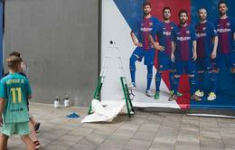 """Trước giờ """"bom tấn"""" nổ, Barcelona xóa dấu vết của Neymar tại Nou Camp"""