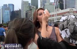 Đại diện Việt Nam ngất xỉu bên trai đẹp ở Asia's Next Top Model