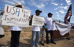 Người nhập cư trái phép vào Mỹ lo sợ bị trục xuất