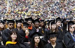FED: 30% số người trưởng thành ở Mỹ gặp khó khăn về tài chính