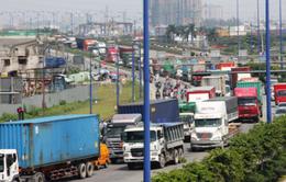 TP.HCM: Lượng xe tăng quá cao so với nhu cầu vận chuyển hàng hóa