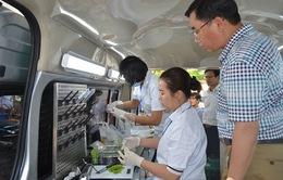 Hơn 300 mẫu xét nghiệm được thực hiện bởi xe kiểm nghiệm ATTP trong 1 tháng
