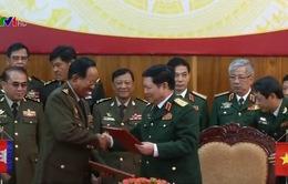 Bộ trưởng Ngô Xuân Lịch tiếp Bộ trưởng Bộ Quốc phòng Campuchia và Lào