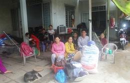 Vĩnh Long: Nhiều tấm lòng hỗ trợ người dân bị cuốn trôi vì sạt lở