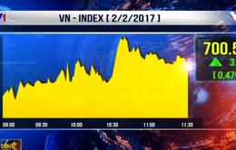 VN-Index vượt mốc 700 điểm phiên đầu năm Đinh Dậu