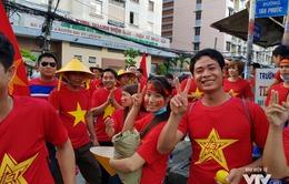 Khán giả đến sớm phủ kín Thống Nhất, mong U23 Việt Nam làm nên kỳ tích