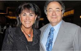 Vợ chồng tỷ phú Canada chết bí ẩn tại nhà