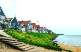 Chủ nghĩa dân túy nhìn từ một ngôi làng ở Hà Lan