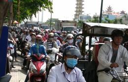 TP.HCM: Người dân về quê ăn Tết, đường vẫn kẹt xe