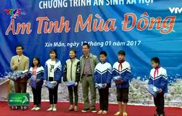 """""""Ấm tình mùa đông"""" đến với học sinh nghèo huyện Xí Mần"""