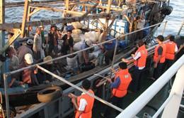 Tiếp nhận 7 ngư dân bị tai nạn chìm tàu trên biển Quảng Bình