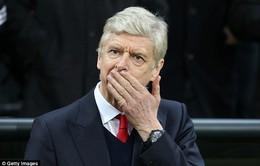 """""""Giáo sư"""" Wenger tiếc hùi hụi khi nhớ về chữ ký hụt Luis Suarez"""