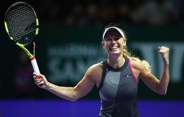Caroline Wozniacki và Venus Williams hẹn nhau tại chung kết WTA Finals 2017