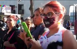 """""""Xác sống"""" hỗ trợ nạn nhân động đất ở Mexico"""