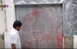 TP.HCM: Căn nhà 9 lần bị tạt sơn, mắm tôm trong vòng 5 tháng