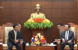 Phó Chủ tịch nước Lào Phankham Viphavanh thăm di tích cách mạng Lào tại Hòa Bình