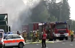 Tai nạn xe bus nghiêm trọng tại Đức, 18 người thiệt mạng