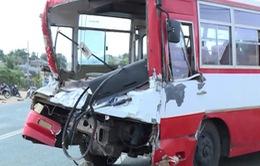 Hỗ trợ nạn nhân vụ xe chở học sinh tông xe tải ở Gia Lai
