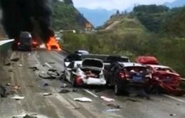 Đâm xe liên hoàn, 19 ô tô bốc cháy, hư hỏng tại Trung Quốc