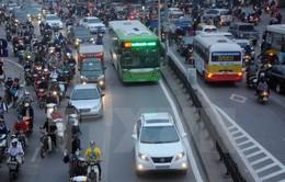 Hà Nội đưa lô xe bus chống kẹp cửa vào hoạt động