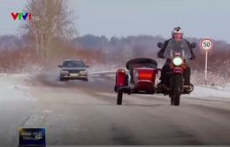 Tham quan nhà máy sản xuất ô tô ba bánh ở Nga