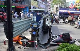 Thêm một vụ xe ba gác chở tôn gây thương tích cho người đi đường
